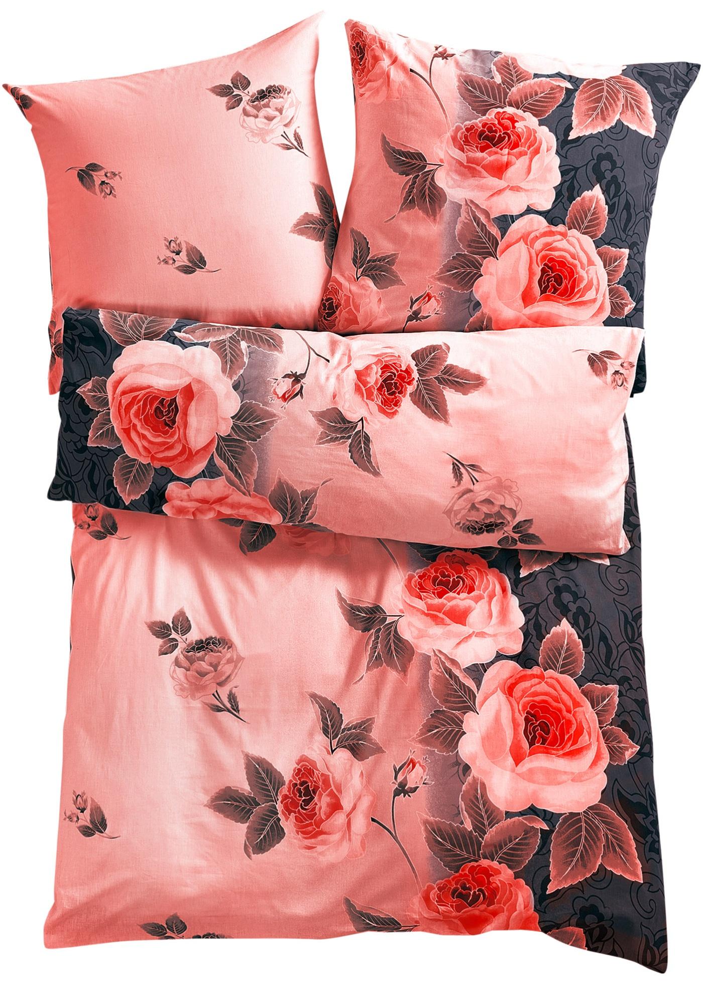 Parure de lit romantique ornée de superbes motifs de roses. Disponible en parures 2 pces. ou 4 pces. et en parure duo 3 pces. Différentes qualités au choix.