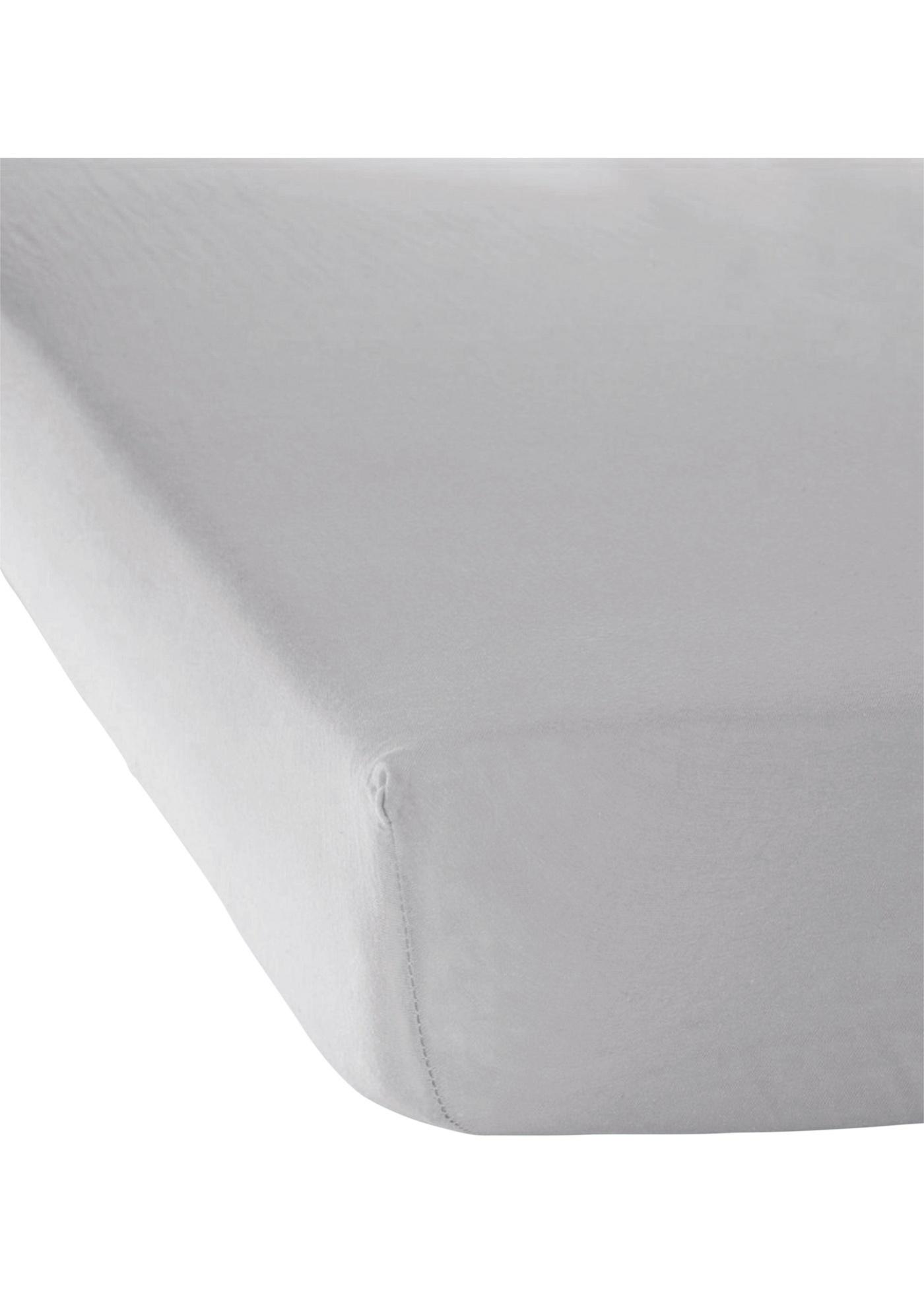 Drap-housse en jersey, très élastique pour une tenue parfaite, disponible en différents coloris et plusieurs dimensions au choix. La longueur 220 cm est disponible uniquement dans les coloris anthracite, bleu et blanc.