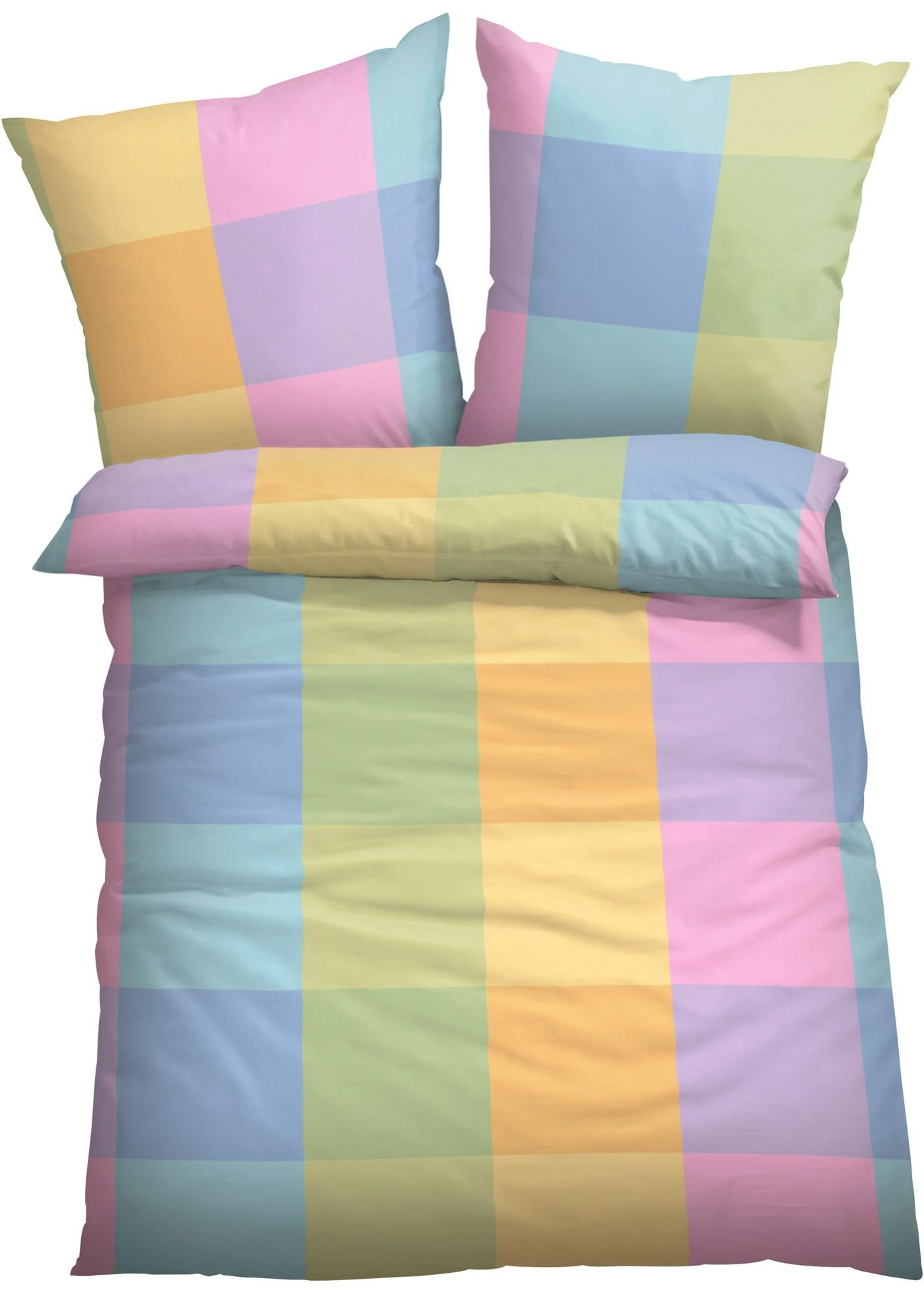 Parure de lit imprimée à grands carreaux dans des tonalités fraîches, différentes matières au choix. Disponible en parure 2 pces ou 4 pces et en taille supérieure XXL.