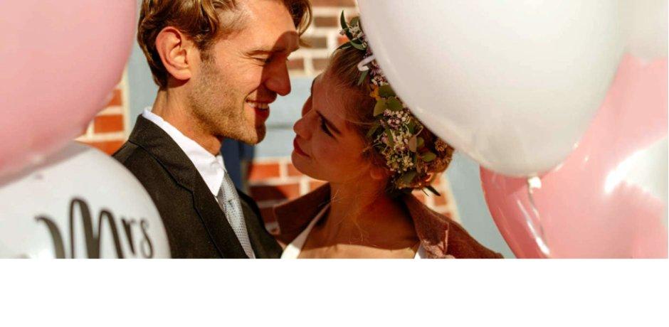Un mariage en hiver   Bien des couples ne s imagineraient pas fêter le  grand jour à cette période. Pourtant, la saison des grands froids peut être  ... d370027f7f4c